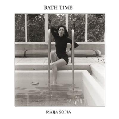 Sofia, Maija - Bath Time
