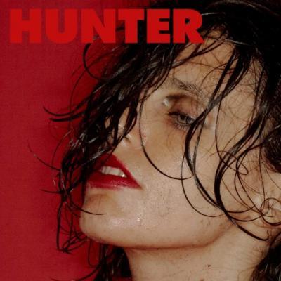 Calvi, Anna - Hunter